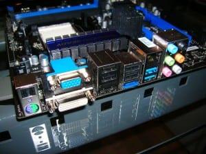 MSI 890GXM-G65 I/O