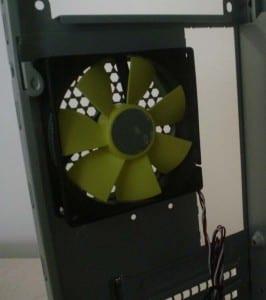 Rear 80mm fan