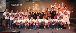 GO OC 2010 Contestants with GIGABYTE Executives (Courtesy Gigabyte)