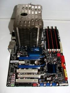 Mounted fanless on motherboard, bottom side view.