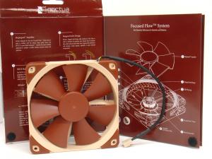 Noctua NF-F12 PWM and box