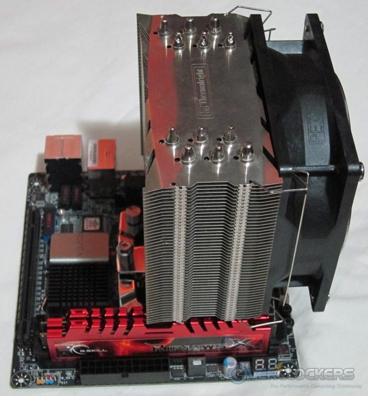 evga-z77-stinger-build1-06.jpg