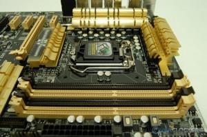 DDR3 DIMM Slots