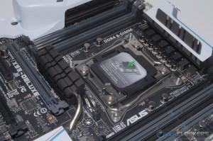 CPU Socket Area / 8 DIMM Slots
