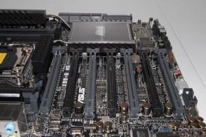 Seven PCI-E x16 Slots