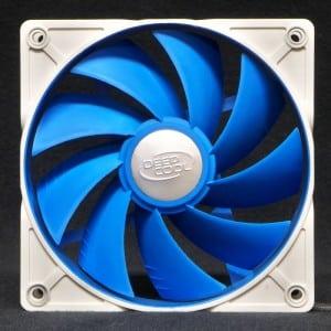 Deepcool UF120 case fan